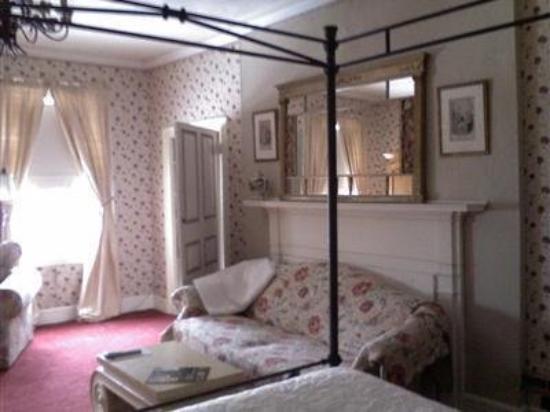 English Garden Bed & Breakfast: Guest Room -OpenTravel Alliance - Guest Room-