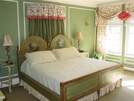 The Club Continental Suites: Mansion Guest Room
