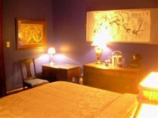 The Mansion Bed & Breakfast : Guest Room