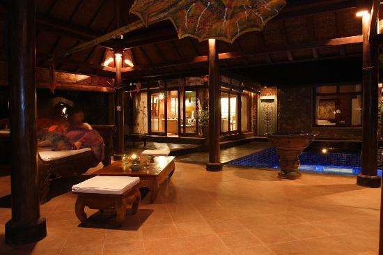 Peruna Saba Villas : Night Scene in Villa