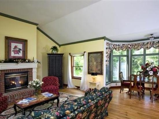 Combsberry Inn Bed and Breakfast: Interior