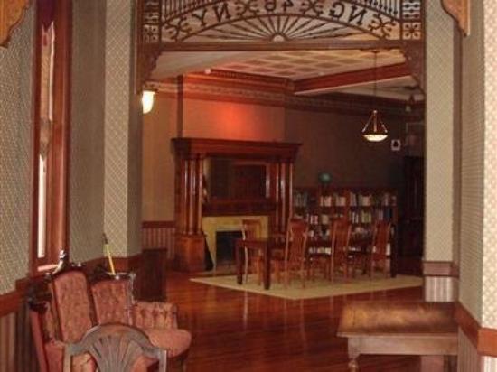 Amsterdam Castle B&B: Interior -OpenTravel Alliance - Lobby View-