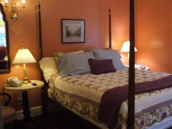 Rochester Inn: Guest Room