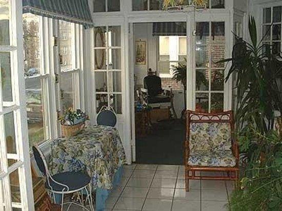 Come Wright Inn : Sunroom