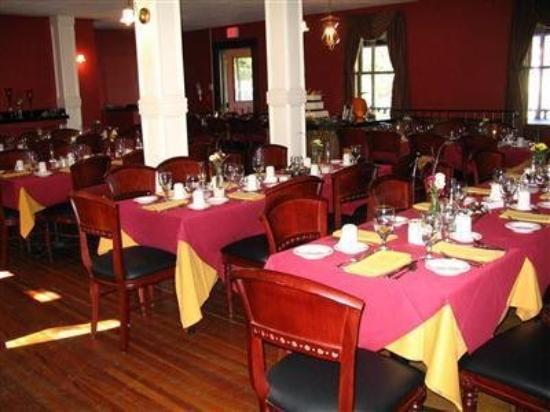 Smuggler's Notch Inn: Dining