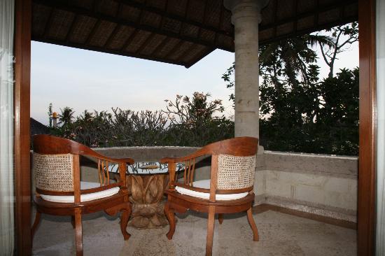 Peruna Saba Villas: 2nd Floor view Balcony