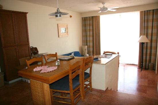 Club Regina Los Cabos: living area in our unit