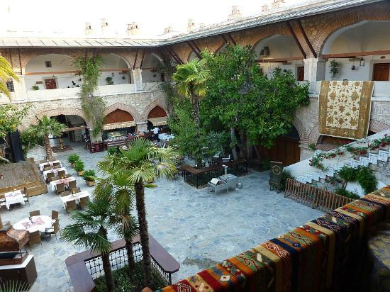 Club Kervansaray Kusadasi: The innder courtyard