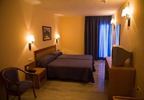 Hotel Carmen: Guest Room