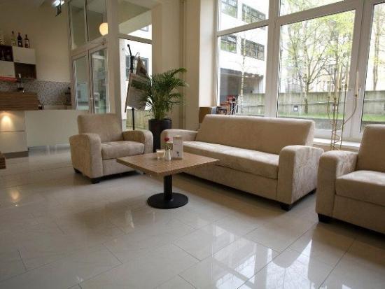 nu hotel berlin: Lobby Area