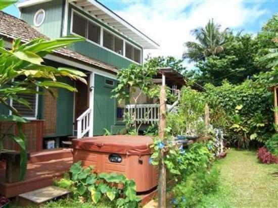Kalalau B & B: Exterior