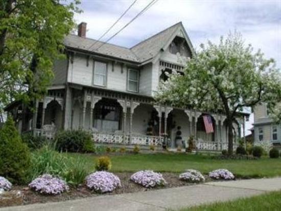 Rocking Horse Inn: Exterior