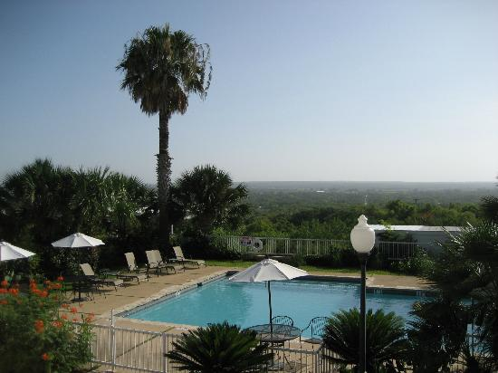 Hotel Alsace & Spa Resort: Pool and view