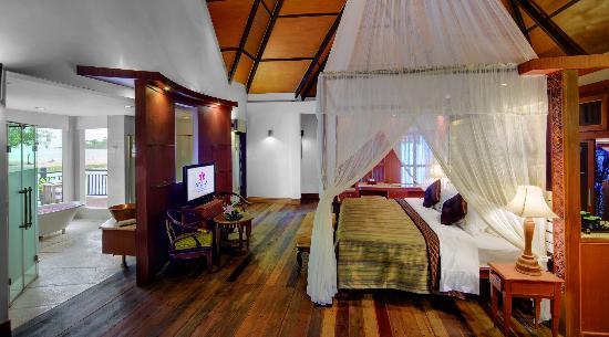 Sokha Beach Resort : Moha Mohori Bedroom