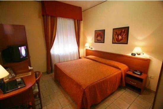 Hotel Valmarina : GUEST ROOM