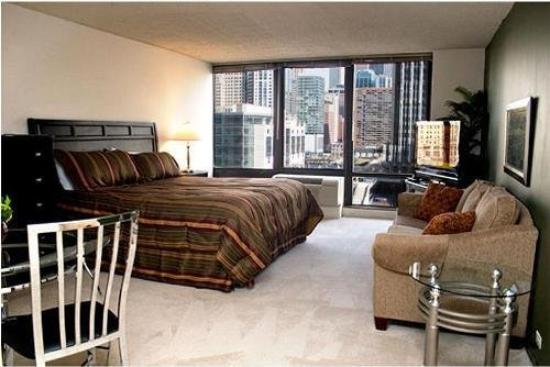 columbus plaza apartments prices condominium reviews chicago