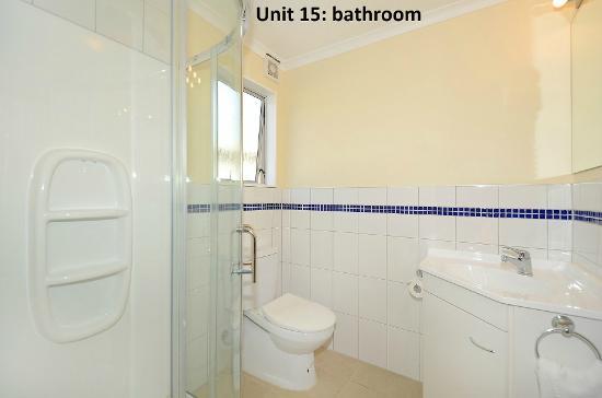 Trentham Motel on the Park: Unit 15: bathroom