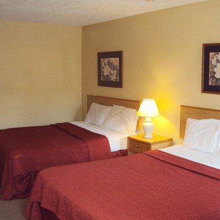 Motel 6 Blue Springs : Nights Inn Blue Springs MOBed