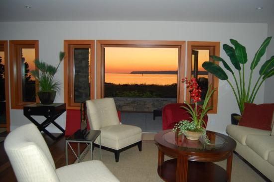 Marin at Semiahmoo: Sunset views from your condo.