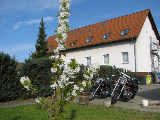 Hotel Pension Lydia: Exterior