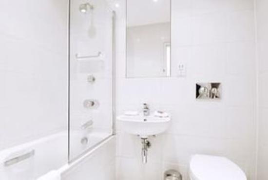 Clarendon Serviced Apartments - Brushfield Street : Brushfield Bathroom