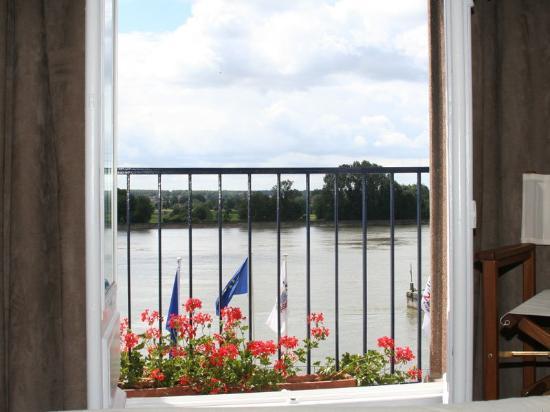 Normotel Restaurant La Marine : Seine Reiver View From Guest Room