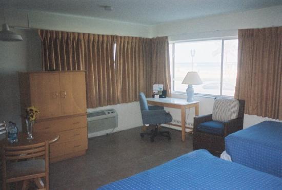 Beach Plaza Hotel: Exterior