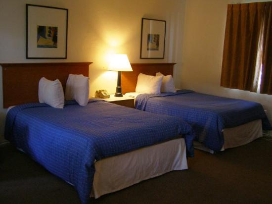 Beach Plaza Hotel: Beds