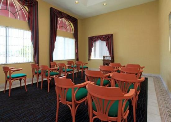 Econo Lodge Houston Lobby: Meeting Room