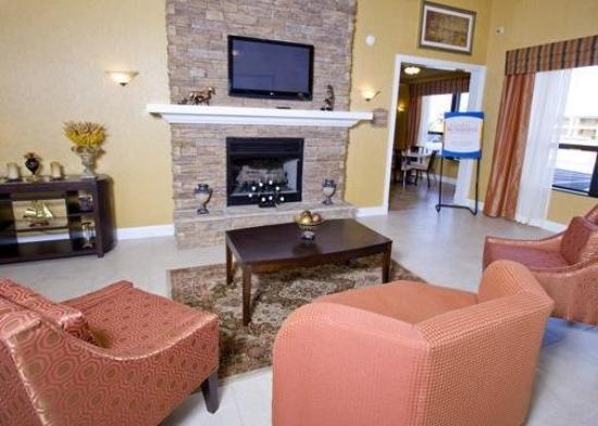 Comfort Inn & Suites Franklin: Lobby