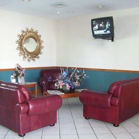 Astoria  Inn: Lobby