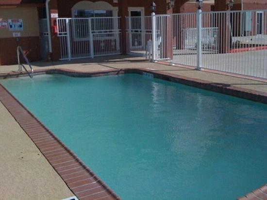 Motel 6 Port Arthur: Pool
