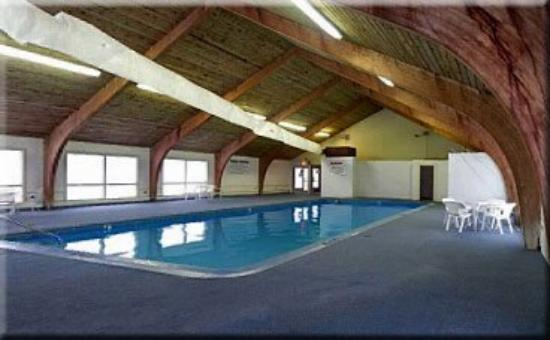 Presque Isle Inn & Convention Center: Pool