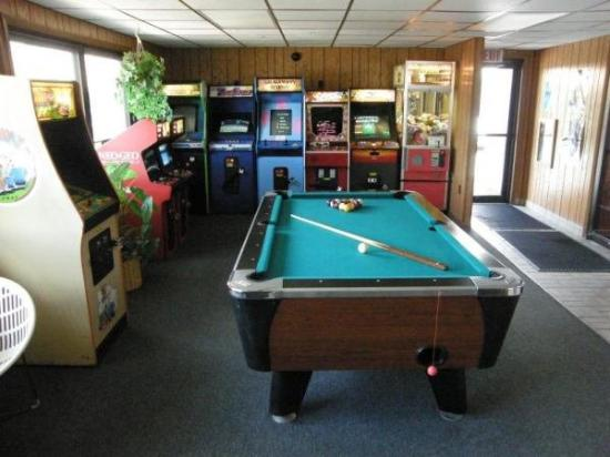 Black Hawk Motel: Gameroom