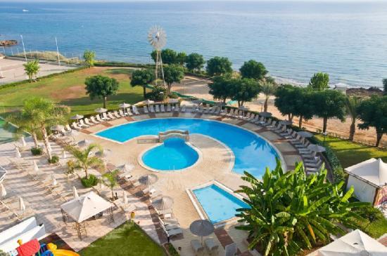 Pernera Beach Hotel: Pool