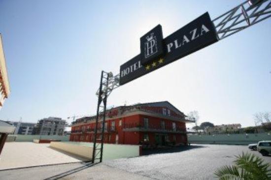 Plaza Aversa