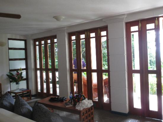Makanda by the Sea: Teak doors to outside veranda
