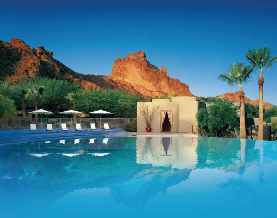 Sanctuary Camelback Mountain: Pool View