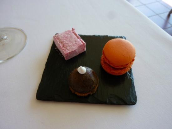 La Bergerie: Pre-dessert amuse bouches