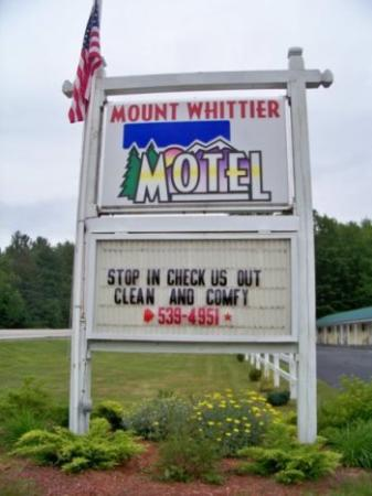 Mount Whittier Motel: Sign