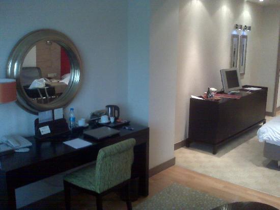 Agaoglu My City Hotel: Camera 3008 - scrivania