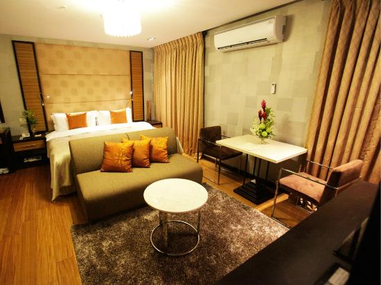 The Royal Mandaya Hotel: Royal Suite
