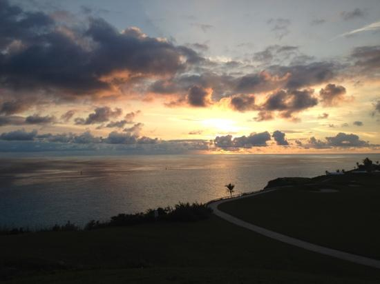 West Whale Bay Beach: sunset to take your breath away