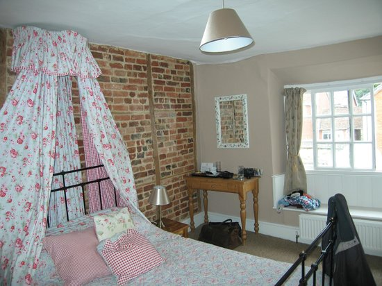 The Crown Aldbourne: Room No4