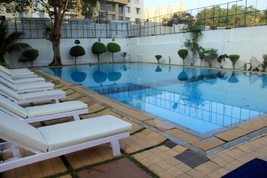 Oritel Service Apartments : Pool