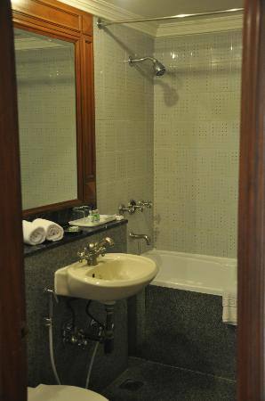 Hotel Vikram: Clean Bathrooms