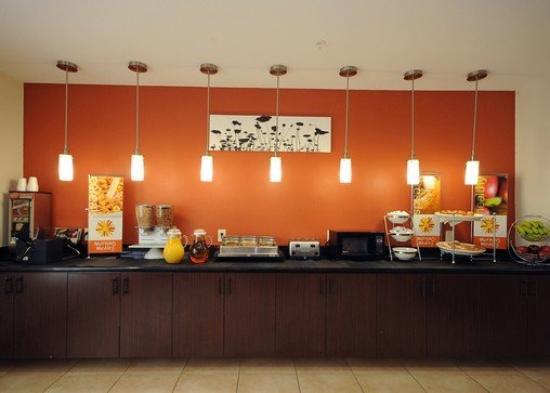 Sleep Inn & Suites I-45 / Airtex: Breakfast Area