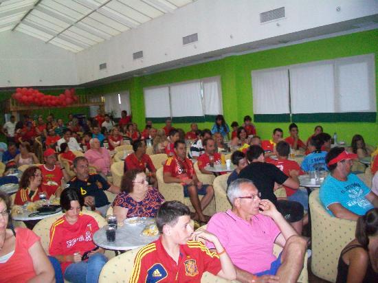 Diverhotel Marbella: Ambientazo en uno de los partidos de España de la Eurocopa 2012