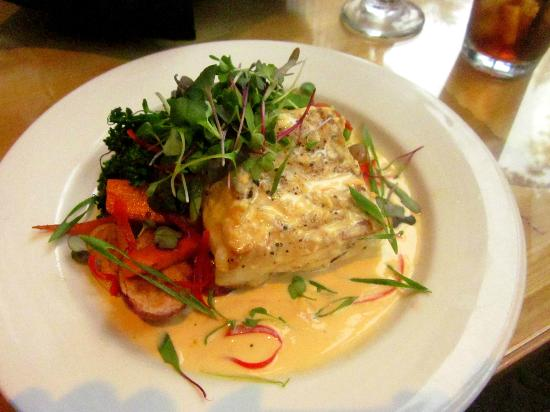 Bonneville Hot Springs Resort & Spa: Halibut