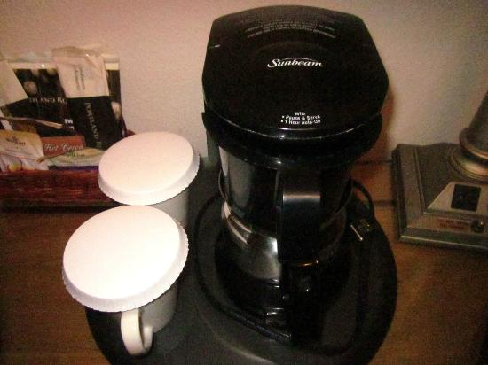 Bonneville Hot Springs Resort & Spa: Room coffee maker